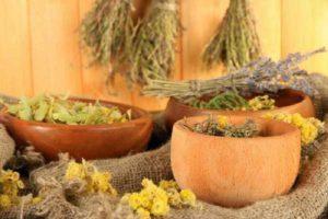 Поможет также трава с сильным ароматом